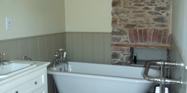 Dartmouth Cottage Bathroom